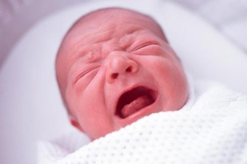 Πώς να σταματήσετε το κλάμα του νεογέννητου!Δεν θέλει κόπο, θέλει τρόπο…